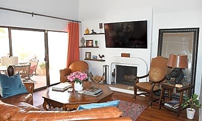 Living Room, 2516 E Oregon Ave, 1