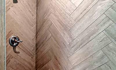 Bathroom, 825 Crisman Dr, 2