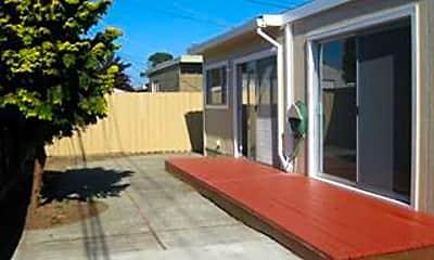 Patio / Deck, 1525 Maxine Ave, 2
