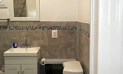 Bathroom, 162 Parker St, 2