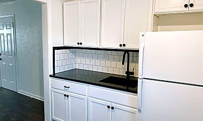 Kitchen, 1722 N Lindsay Ave, 0