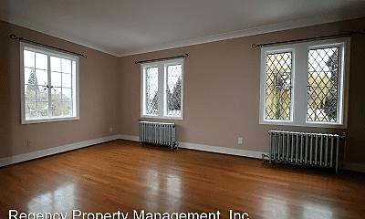 Living Room, 18348 SE River Rd, 1