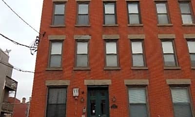 Building, 252 York St 4A, 2