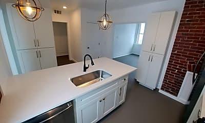Kitchen, 404 Walter St, 1