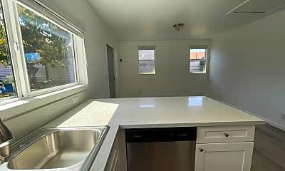 Bathroom, 4448 Berryman Ave, 2