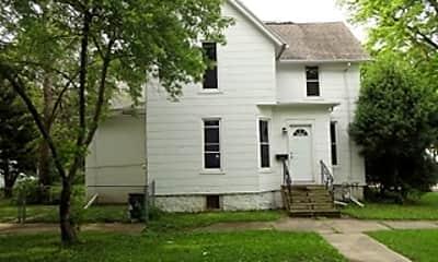 Building, 820 Ashland Ave, 2