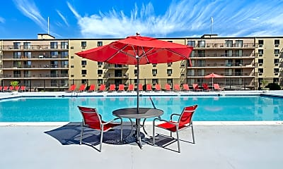 Pool, Bayberry Hill Estates Apartments, 1