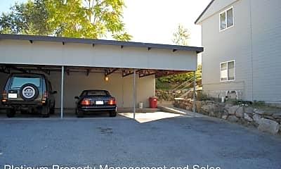 Building, 939 N Baker Ave, 2