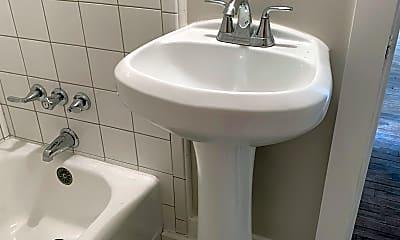 Bathroom, 119 N Cove Ln, 2