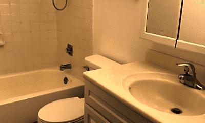 Bathroom, 48 W 59th St, 2