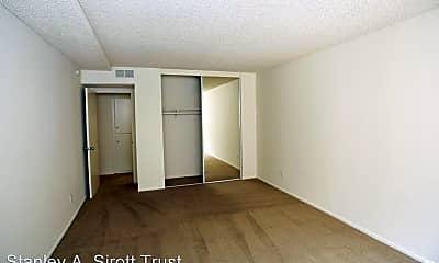 Bedroom, 1219 N Columbus Ave, 1