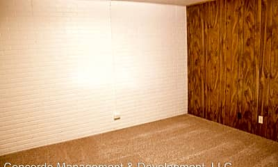 Bedroom, 5821 Oakridge Dr, 2