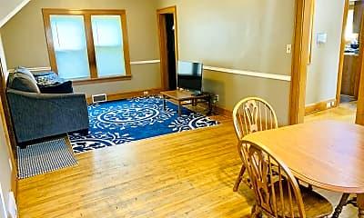 Living Room, 1031 27th Ave SE, 2