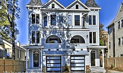 Building, 611 N Pine St, 0
