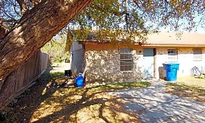 Building, 702 Casa Dr, 1