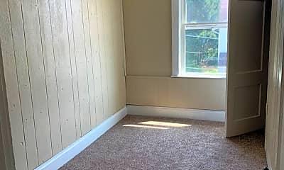 Living Room, 537 E Washington St, 1