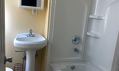 Bathroom, 119 Fairfield Ave, 2
