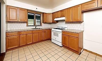 Kitchen, 900 Park Ave, 1