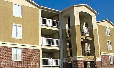 Frontgate Apartments, 1