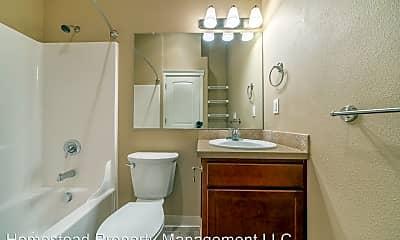 Bathroom, 231 Whitesell St, 2