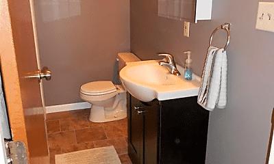 Bathroom, 611 Diamond St, 2