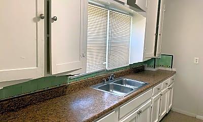 Kitchen, 520 32nd St, 1