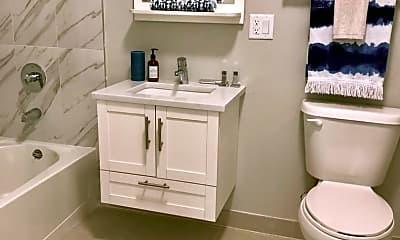 Bathroom, 22 Center St, 2