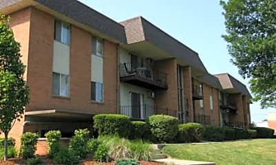 Riverland Woods Apartments, 1