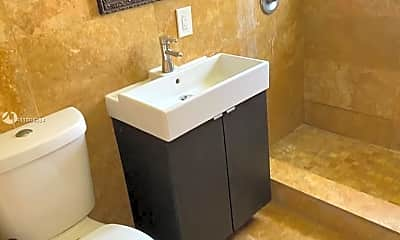 Bathroom, 1945 Bay Dr 4, 0