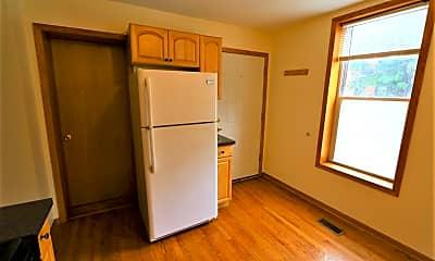 Kitchen, 1086 N Marshfield Ave 1REAR, 2