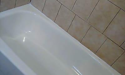 Bathroom, 43 Watson St, 2