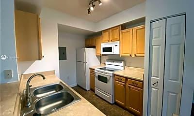 Kitchen, 2412 Centergate Dr, 0
