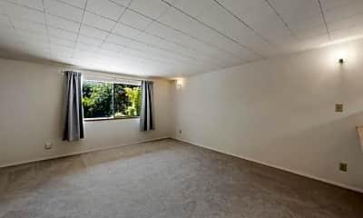 Bedroom, 505 W Roy St, 1