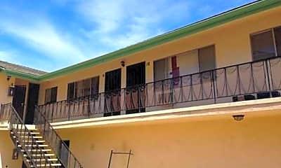 Building, 247 E Hullett St, 2
