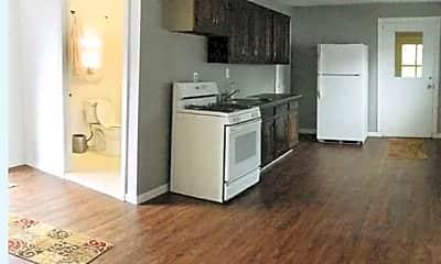 Kitchen, 82 Fairfield Rd, 1