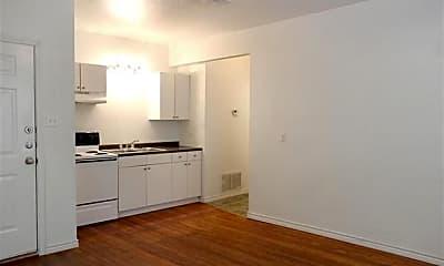 Kitchen, 940 W Tarleton St 5, 1
