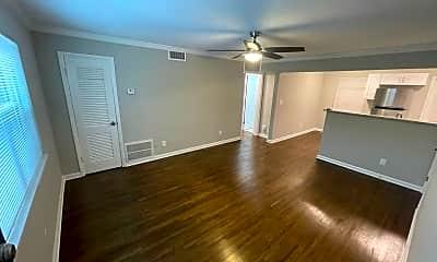 Living Room, 789 Briarcliff Rd NE, 2