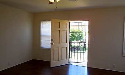 Bedroom, 3910 E Mayfield St, 1