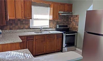 Kitchen, 915 25th St, 2