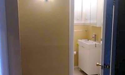 Bathroom, 642 57th St, 1