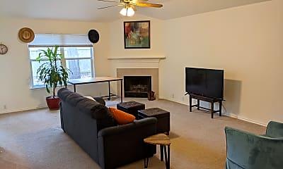 Living Room, 2201 Kaiser Dr, 1