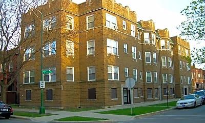 4541 N Christiana Ave, 2