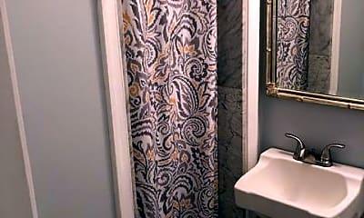 Bathroom, 205 Wolfe St, 2
