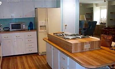 Kitchen, 7761 SE Shenandoah Dr, 2