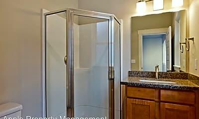 Bathroom, 556 1/2 Prospect St, 2