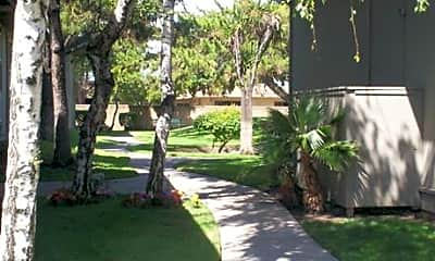 Pacific Pointe Apartments, 2
