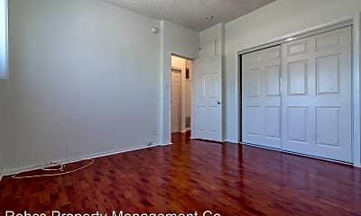 Bedroom, 1323 N Harvard Blvd, 2