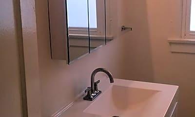 Bathroom, 404 N Curson Ave, 2