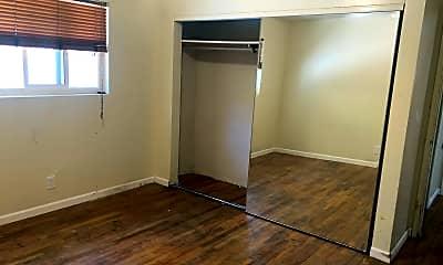 Living Room, 832 Eucalyptus Ave, 2