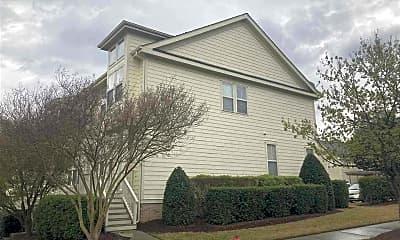 Building, 545 Village Loop Dr, 1